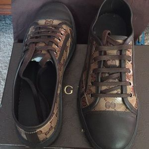 Gucci Shoes - GUCCI SNEAKERS IN NEW LIKE CONDITION WORN ONCE
